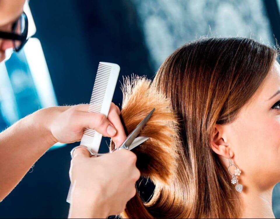 hair dresser practicing